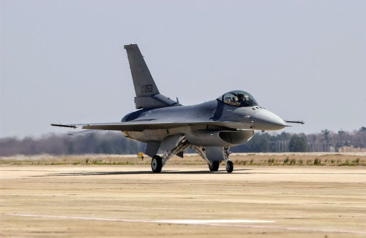 f16 fighting falcoln