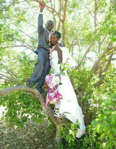 bizarre wedding picture