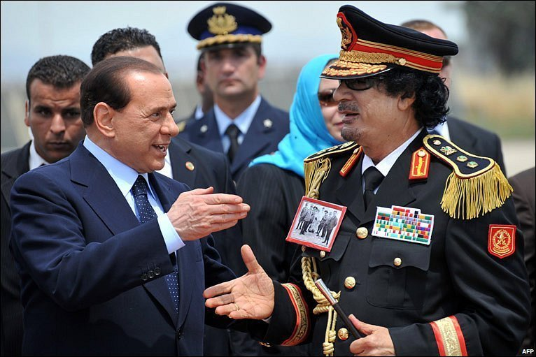Gaddafi-and-Berlusconi-handshake