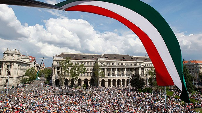 hungary-independent-politics-west.si