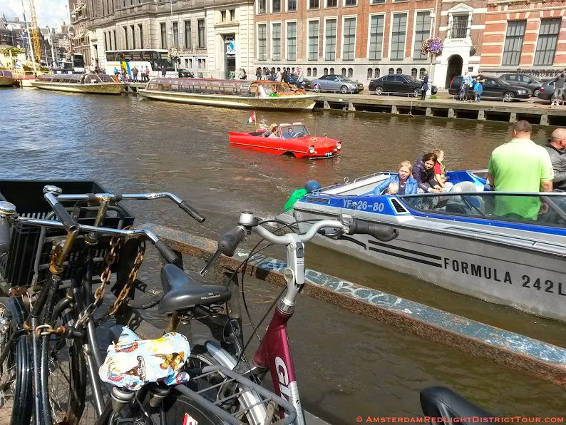 Amsterdam-Center-Rokin-Canal-Car-Boat-Bikes!
