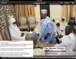 jonathan-goodluck kneeling before sanusi2