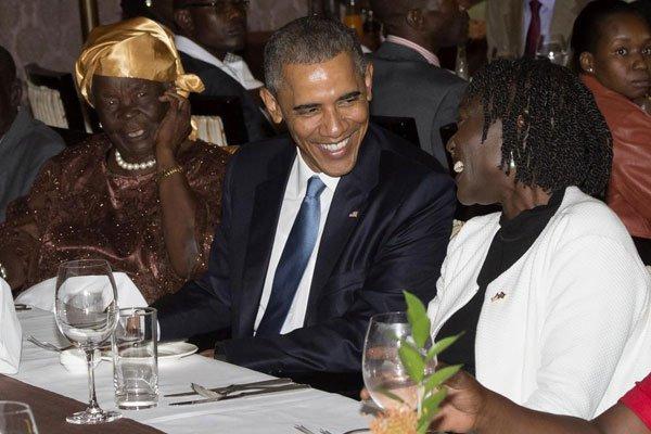obama with sister and grandma