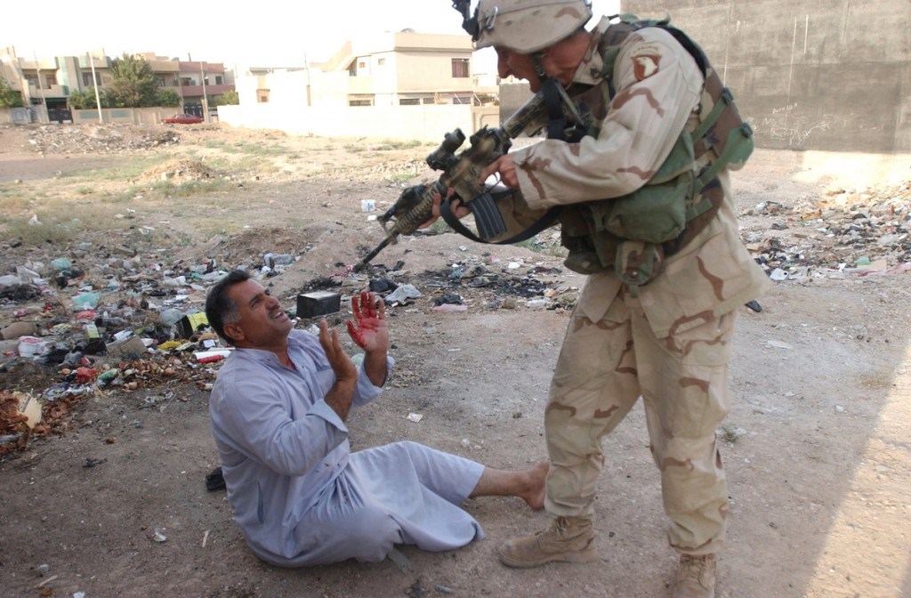 us soldier aims at an iraqi