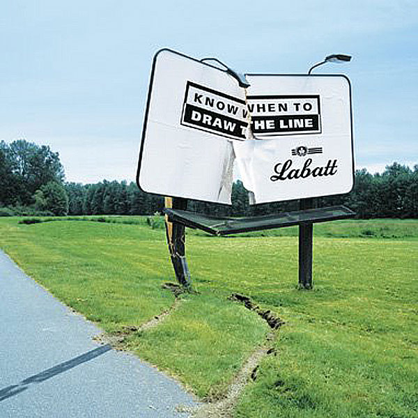drink-drive-draw-the-line-creative-billboard