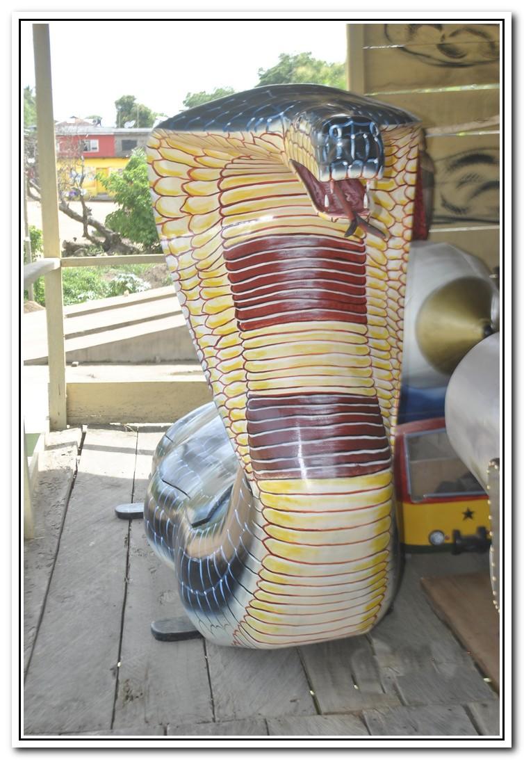 Ghana: sending relations home in Style